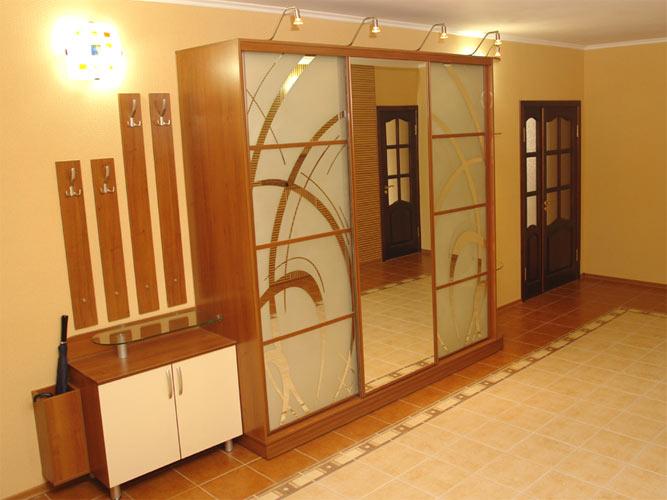 Изготовим на заказ в Киеве не дорого шкафы-купе, гардеробные комнаты
