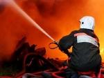 В Киеве неизвестные подожгли здание на стройплощадке